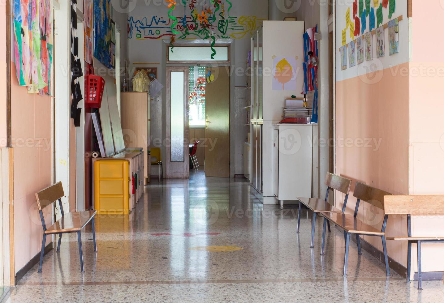 gang van een kinderdagverblijf voor kinderen foto