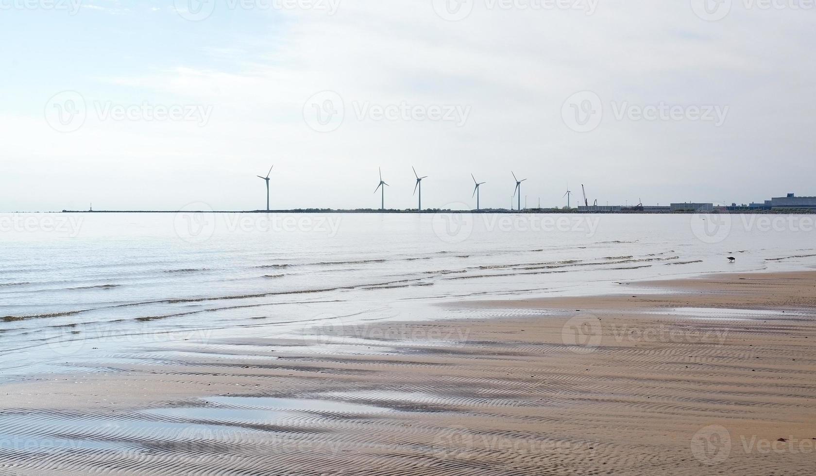 kust windenergie turbines strand foto