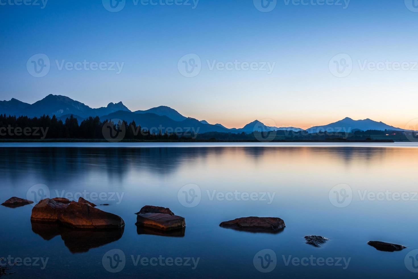 blauw uur bij hopfenmeer foto