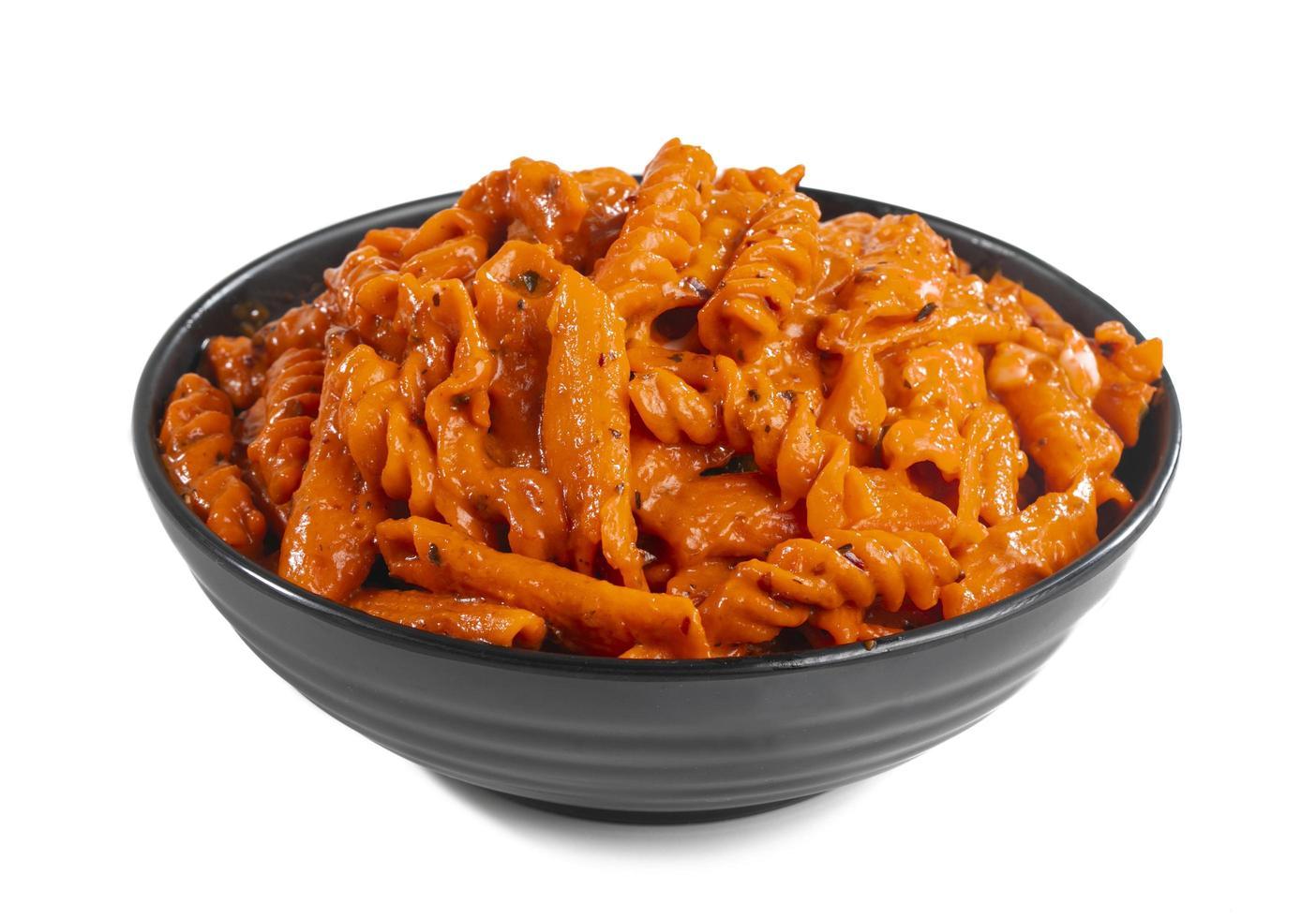 verse pasta met rode saus foto