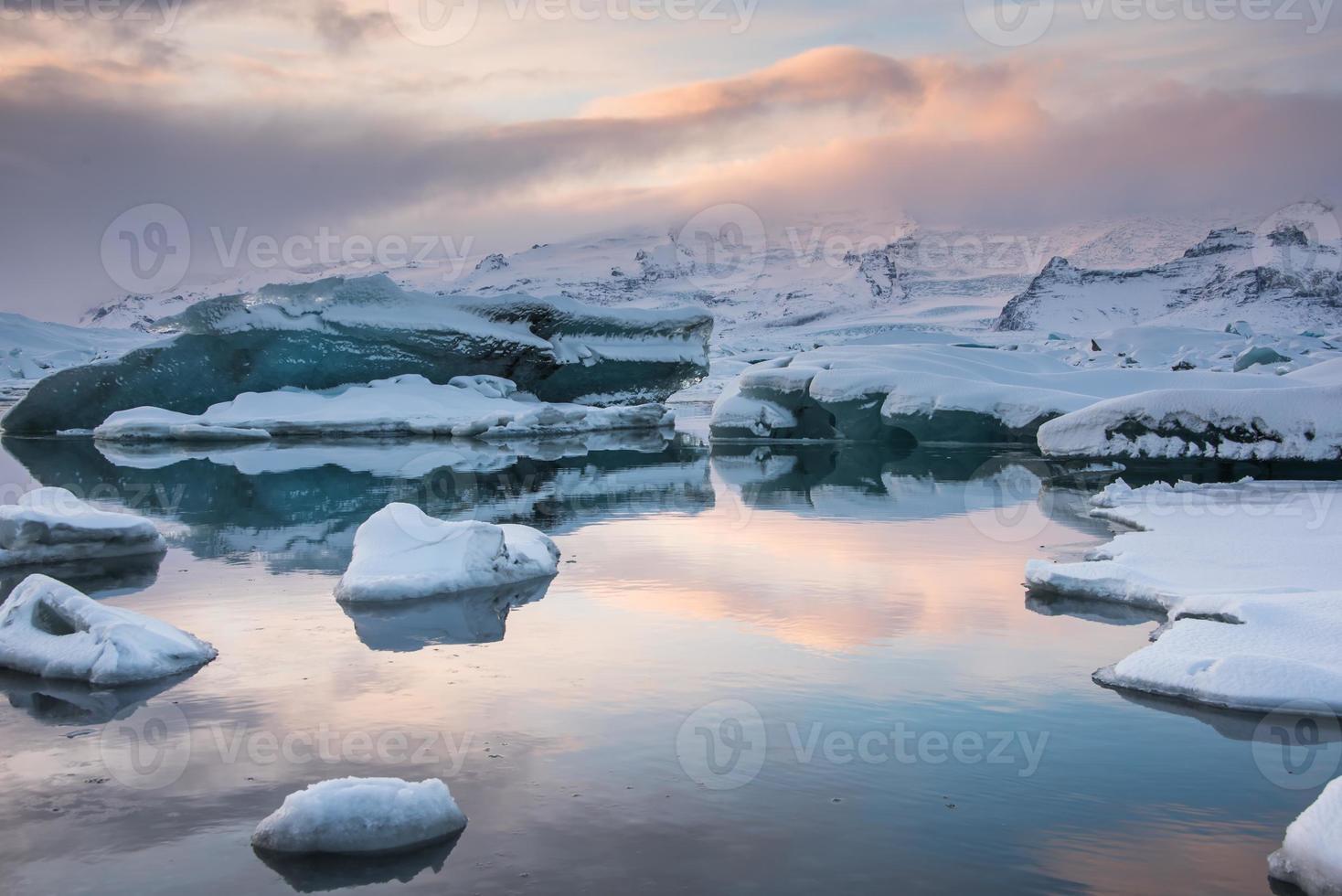 prachtige blauwe lagune jokulsaron lagune, ijsland foto