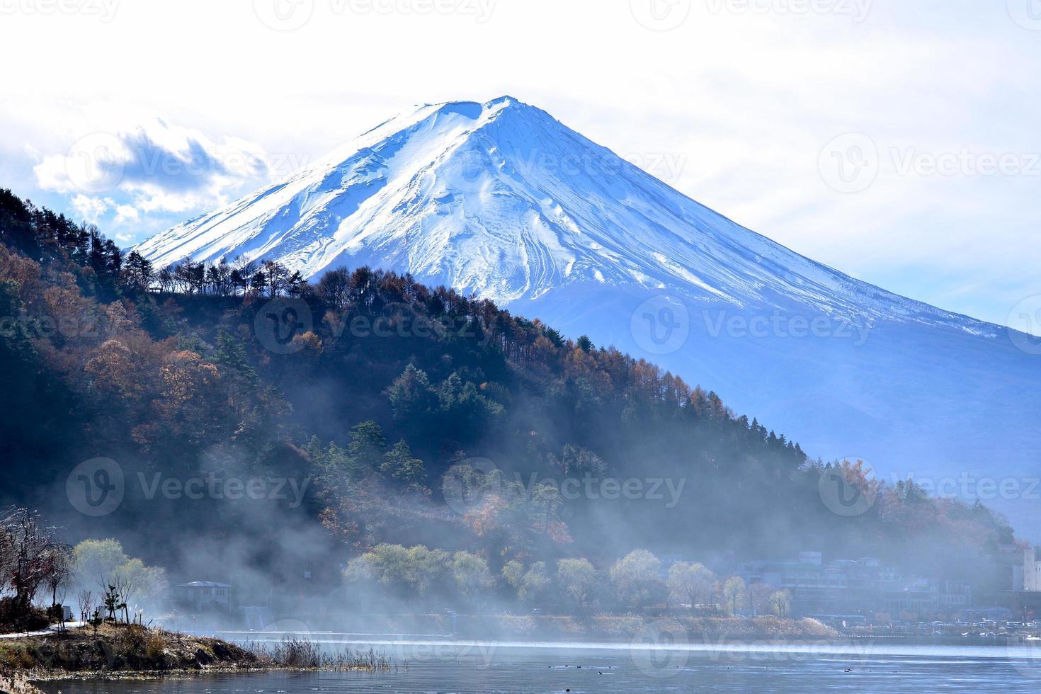 Mt Fuji van Lake Kawaguchiko foto