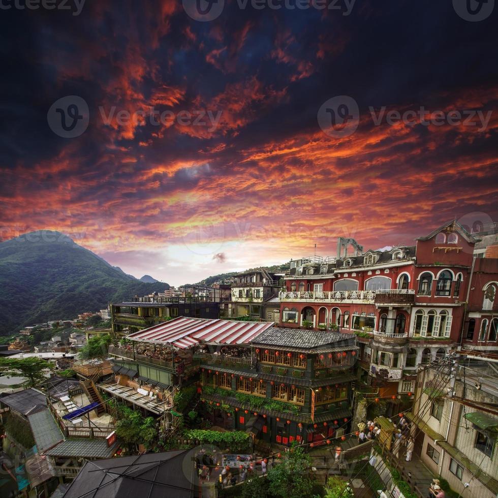 theehuizen op een heuvel in jiufen, taiwan. foto