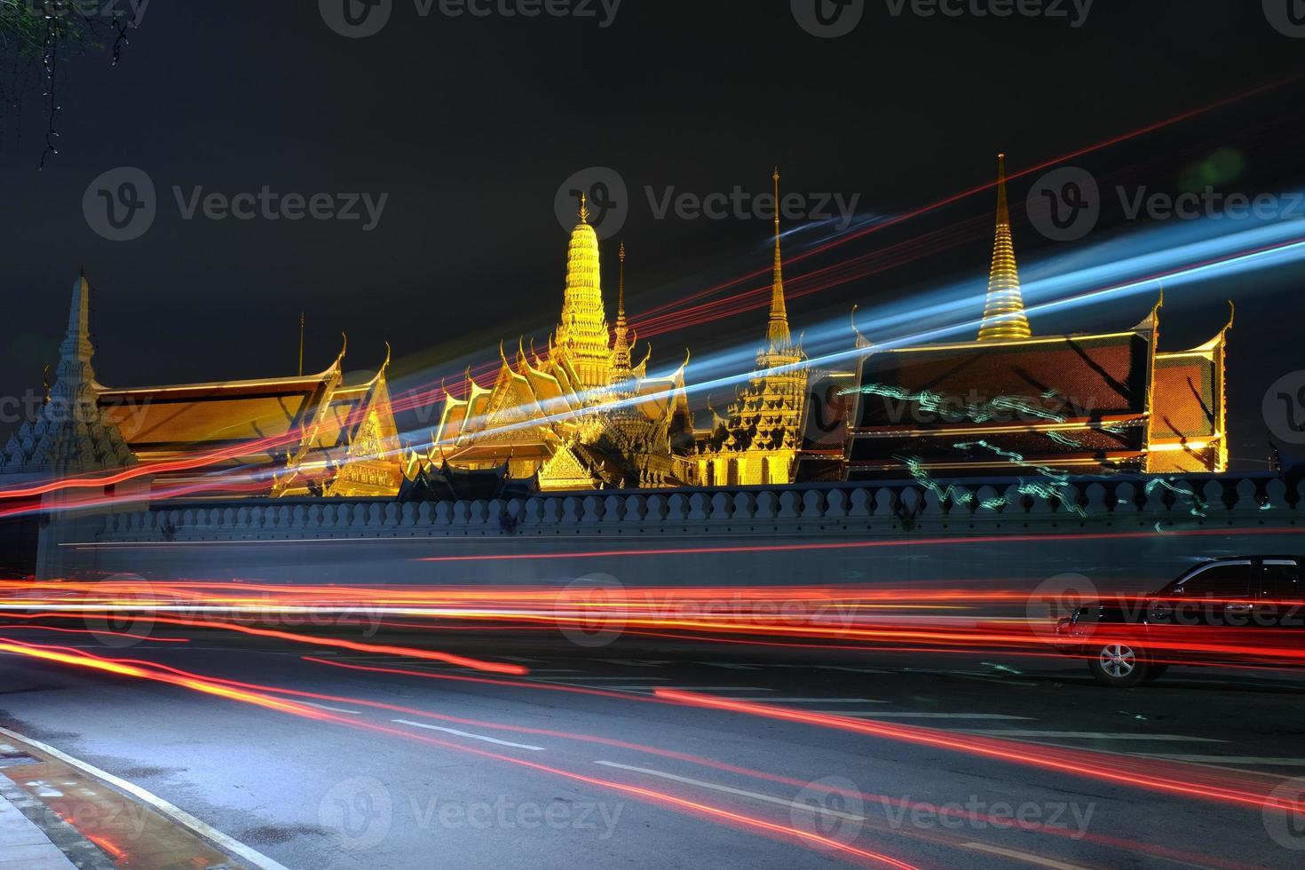 nachtlampje bij wat phra kaew (tempel van smaragdgroene boeddha) foto
