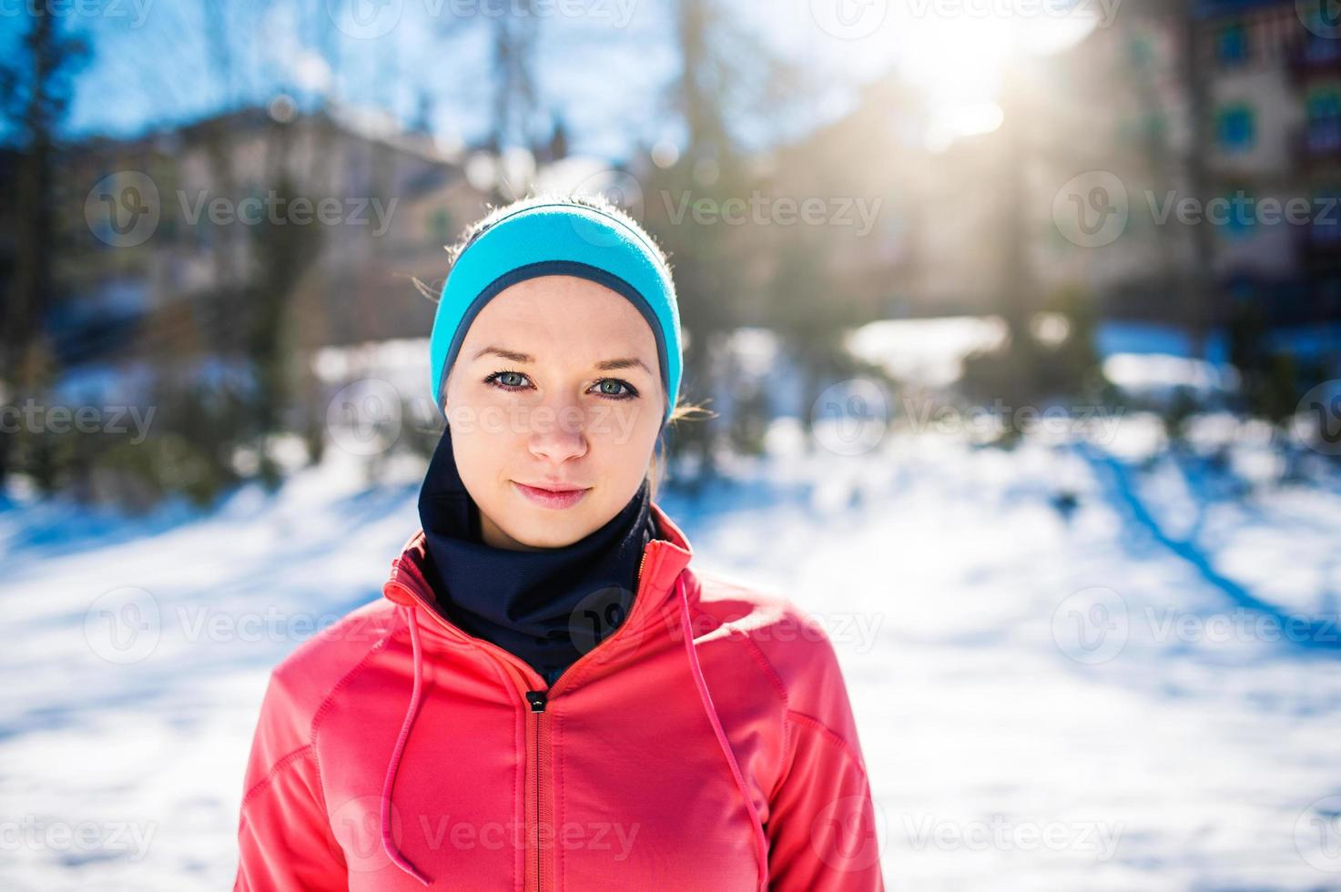 jonge vrouw joggen foto