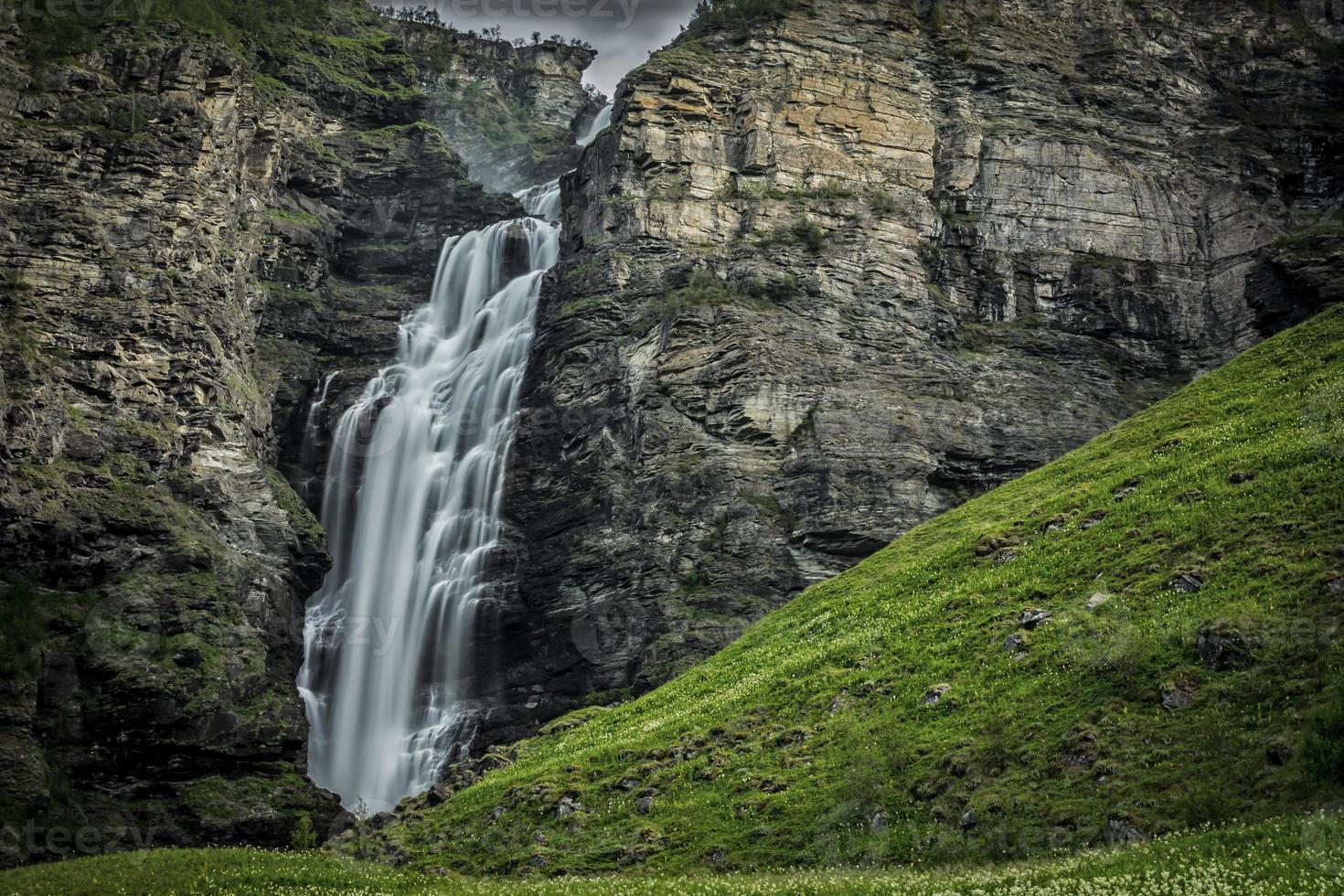 mollisfossen waterval noord noorwegen foto