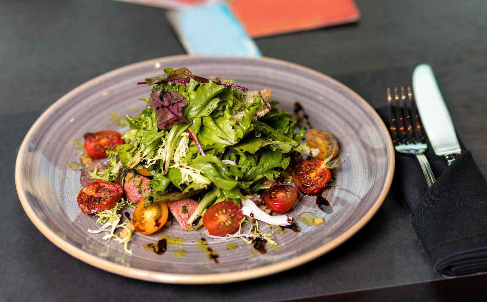 groene gehakte salade foto