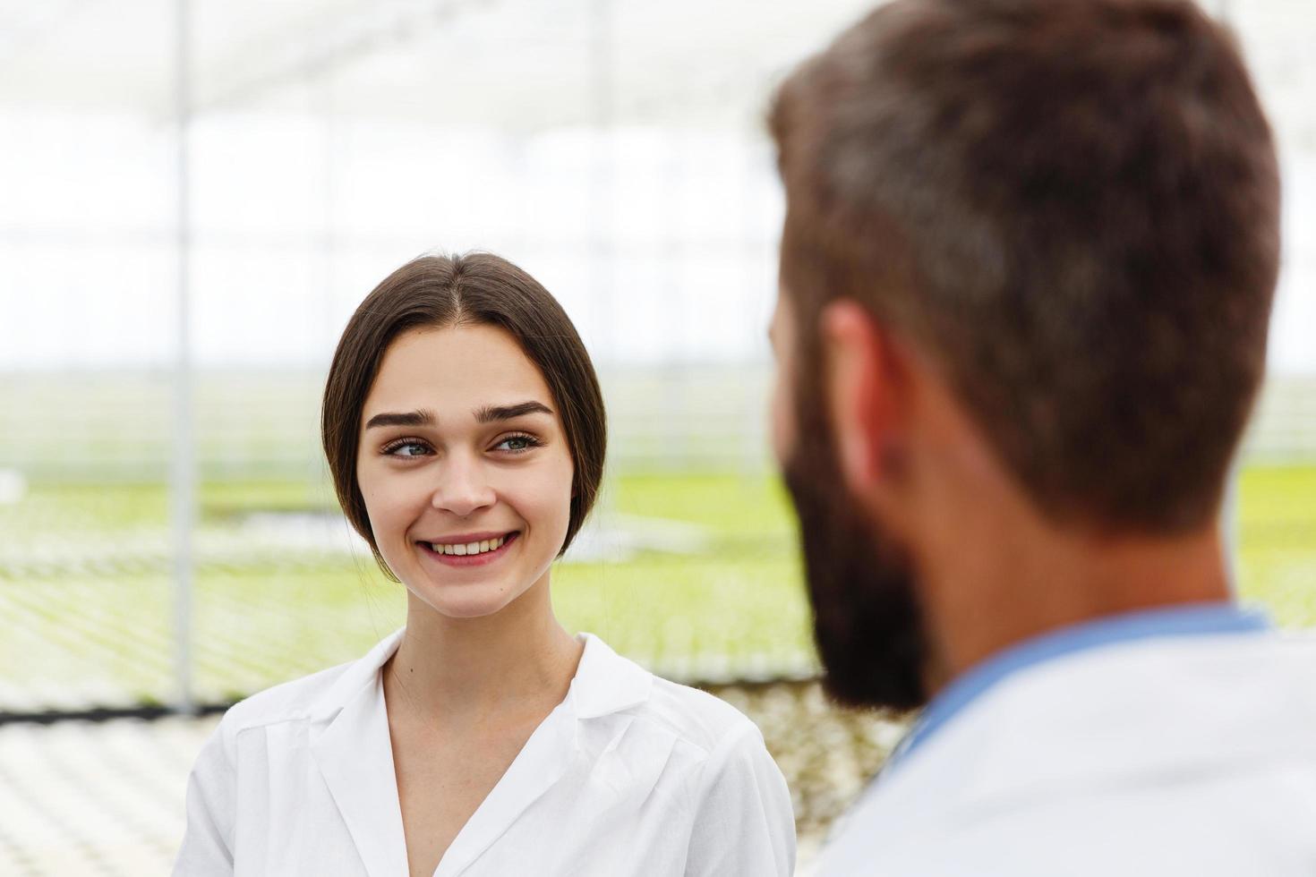 vrouwelijke wetenschapper glimlachen foto