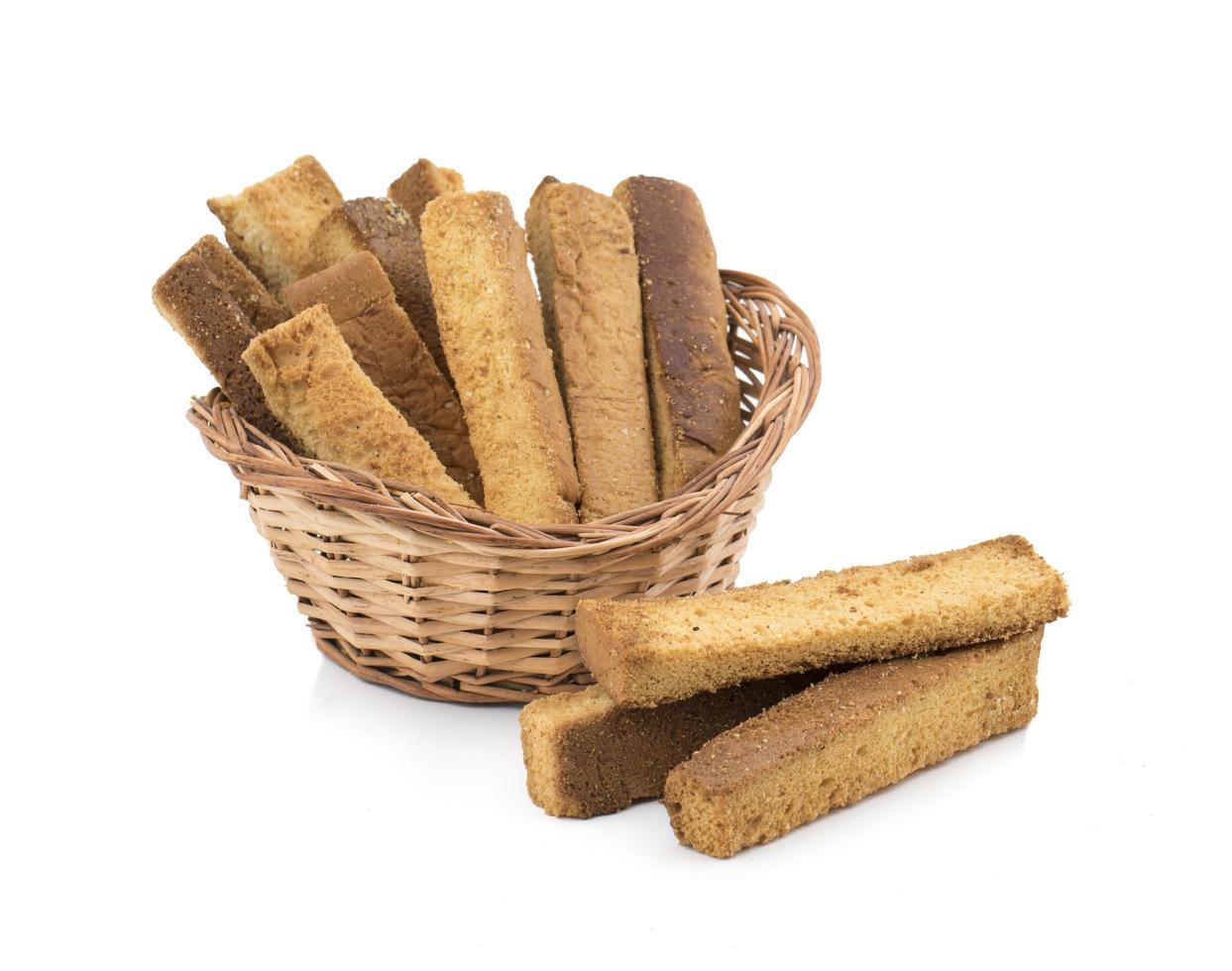 droge toaststicks in een mand foto