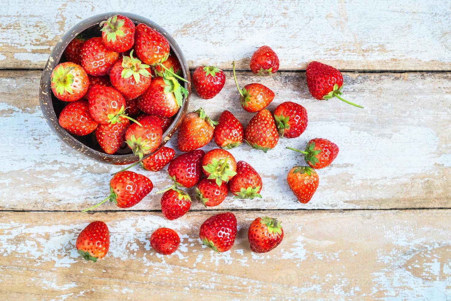 bovenaanzicht van aardbeien foto