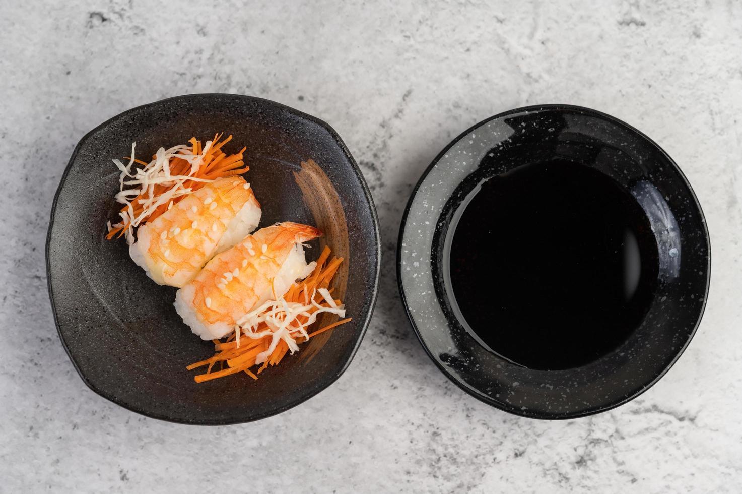 vers geplateerde sushi foto
