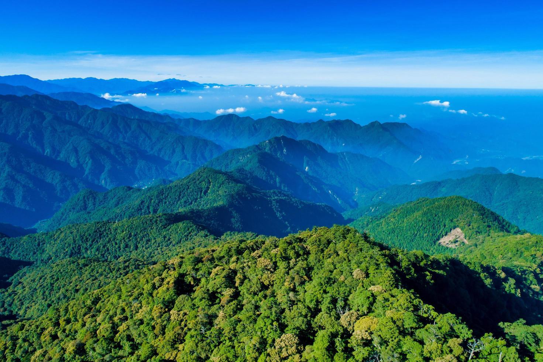 luchtfoto van dasyueshan gedurende de dag foto