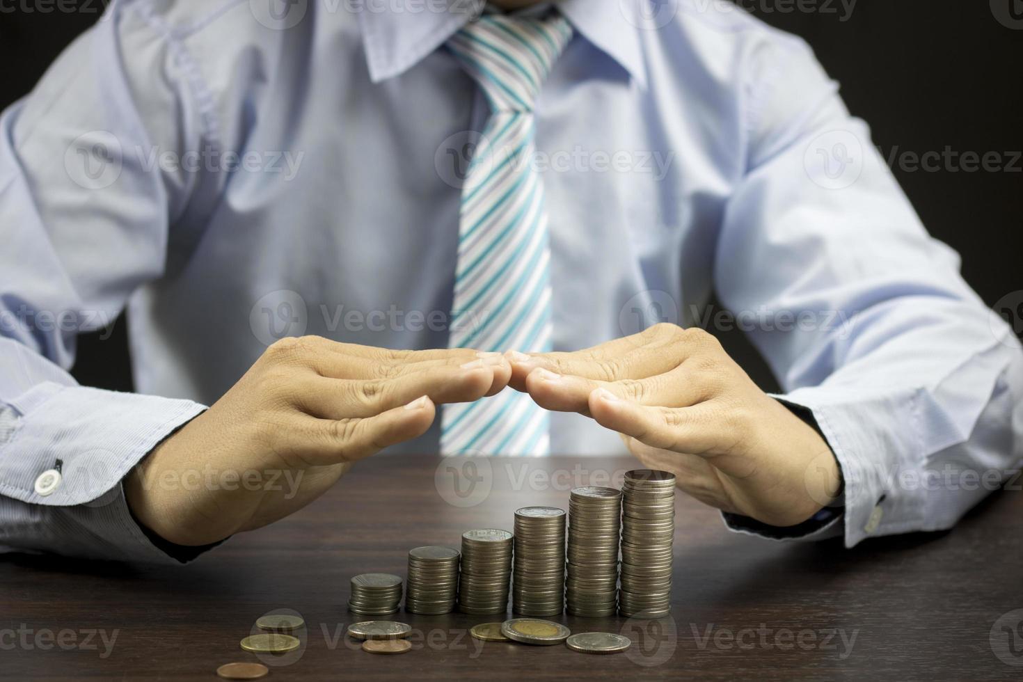 bedrijfspersoon bescherming van geld concept foto