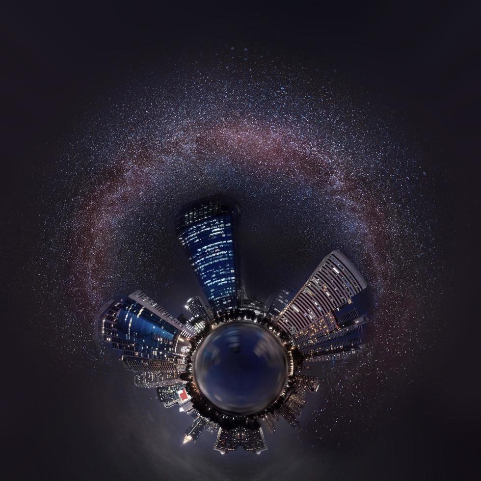 melkweg en stad 360 foto