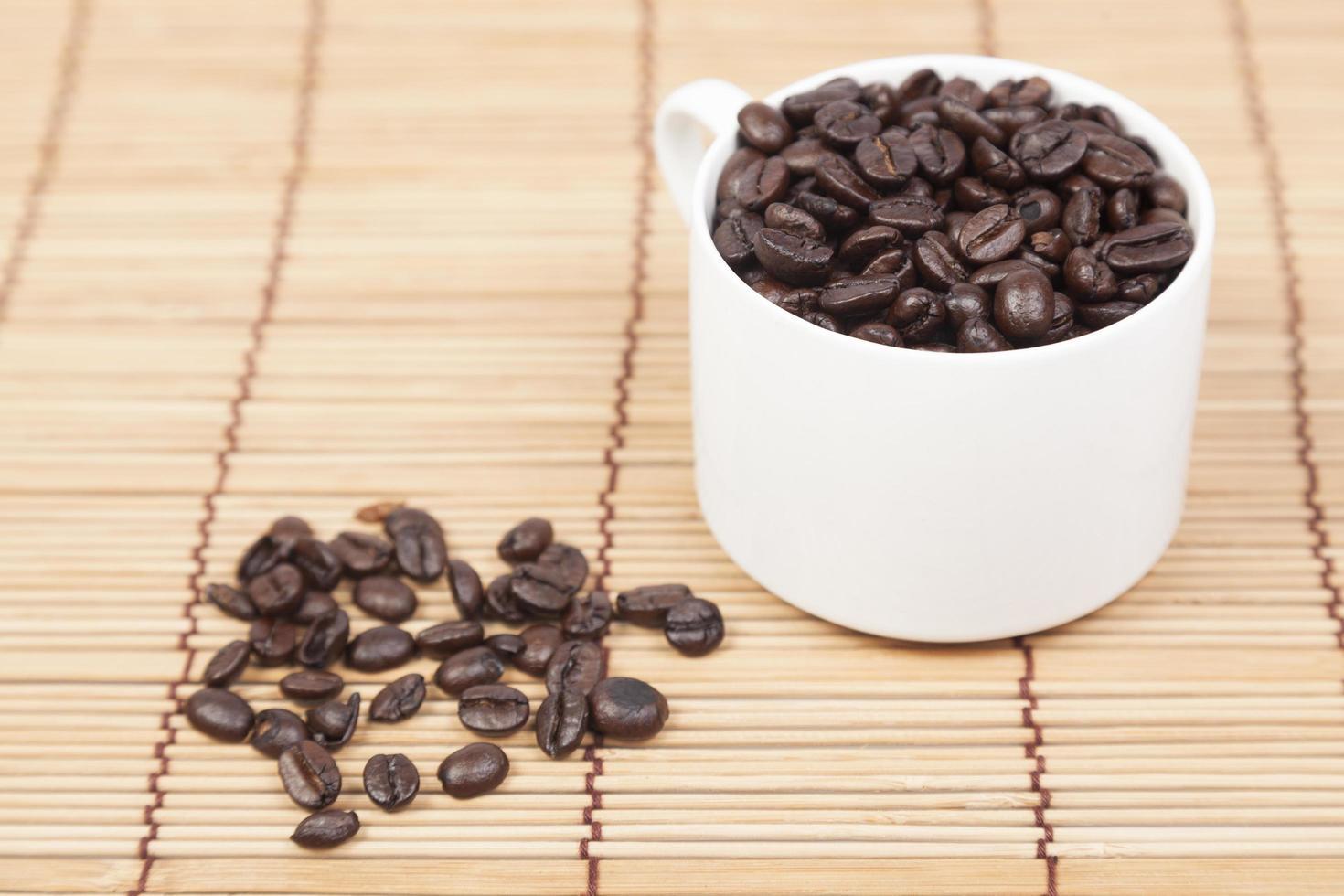 koffiekopje en koffiebonen foto