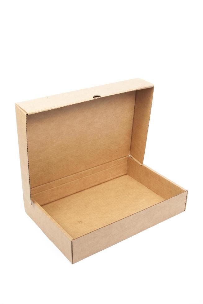bruine papieren doos op witte achtergrond foto