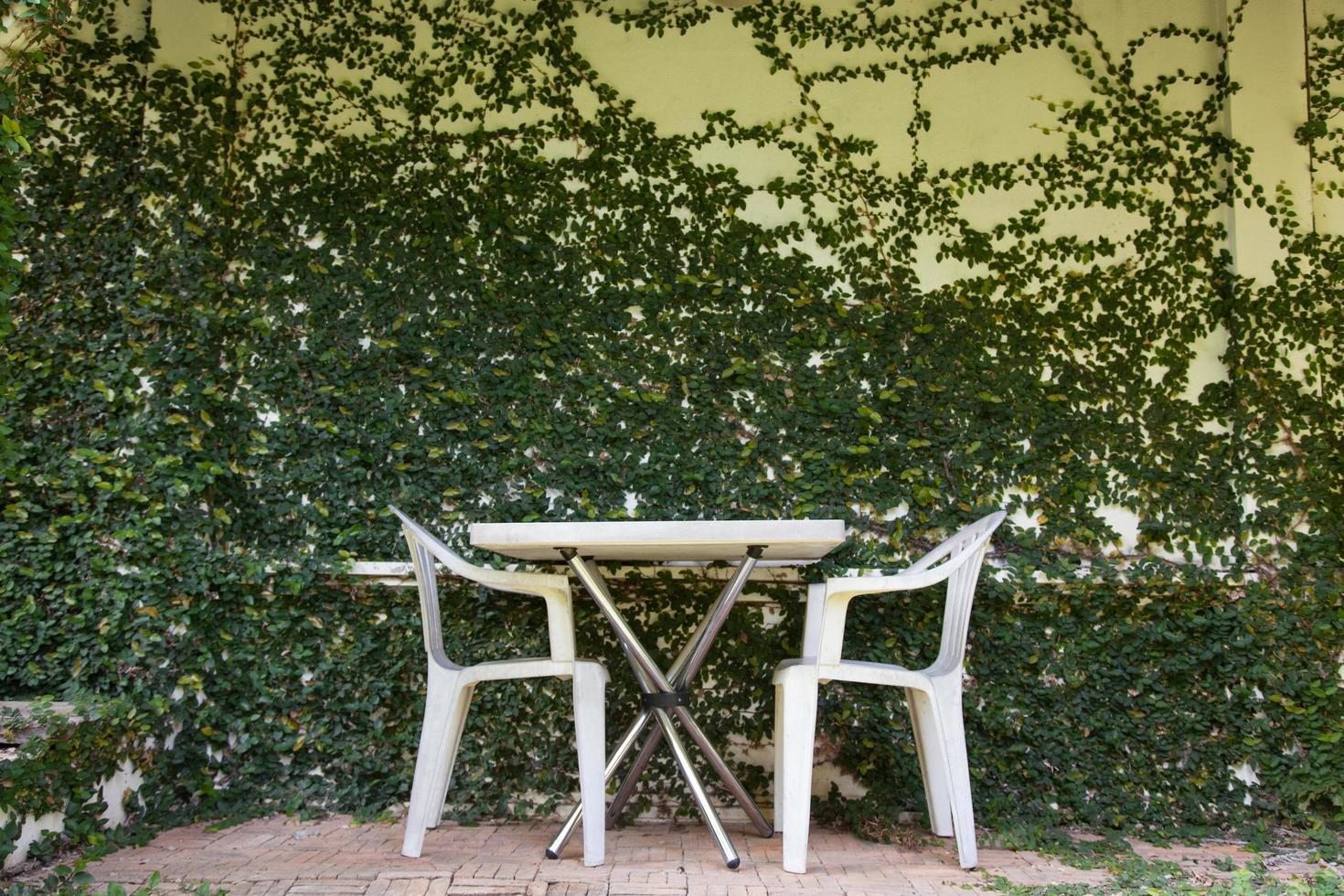 tafel en stoelen foto