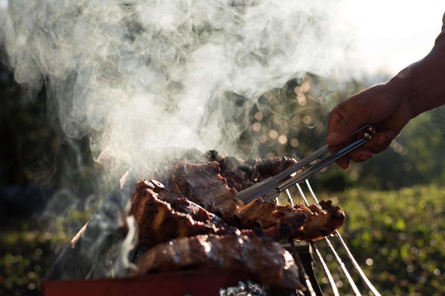 lamskoteletten op de grill foto