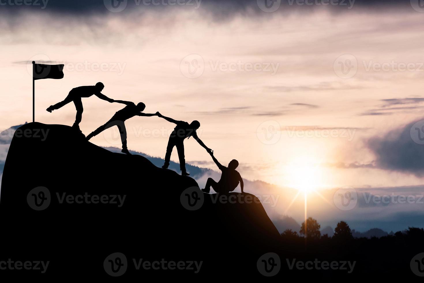 succesvol silhouet van teamwerk foto