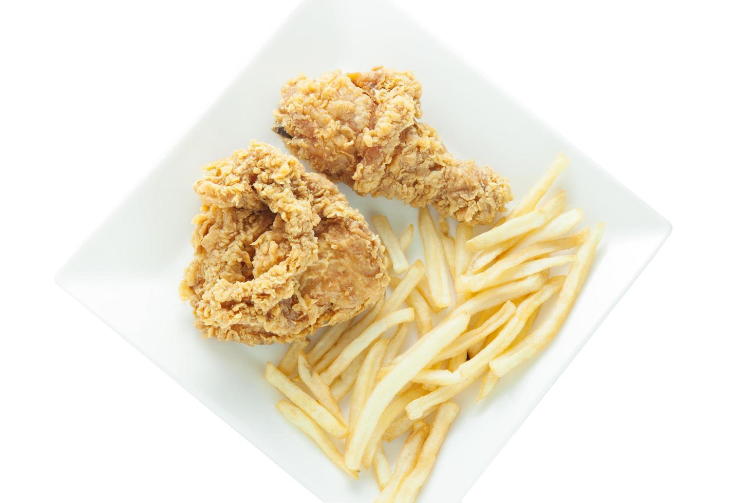 gebakken kip en frietjes foto