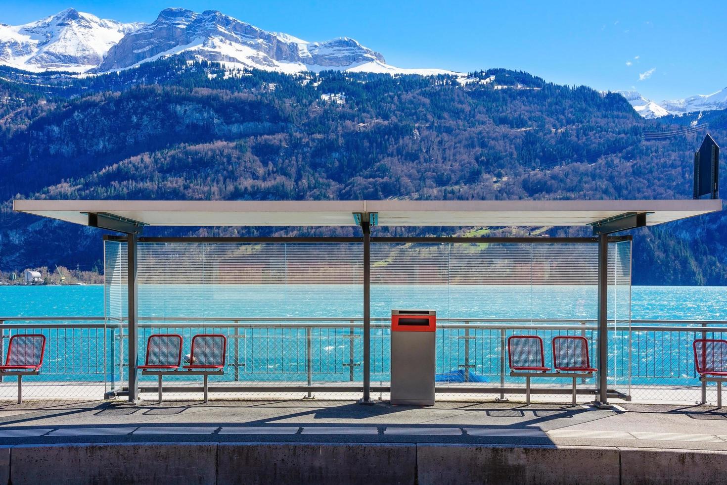 Brienz-station aan het Brienzermeer, Zwitserland foto