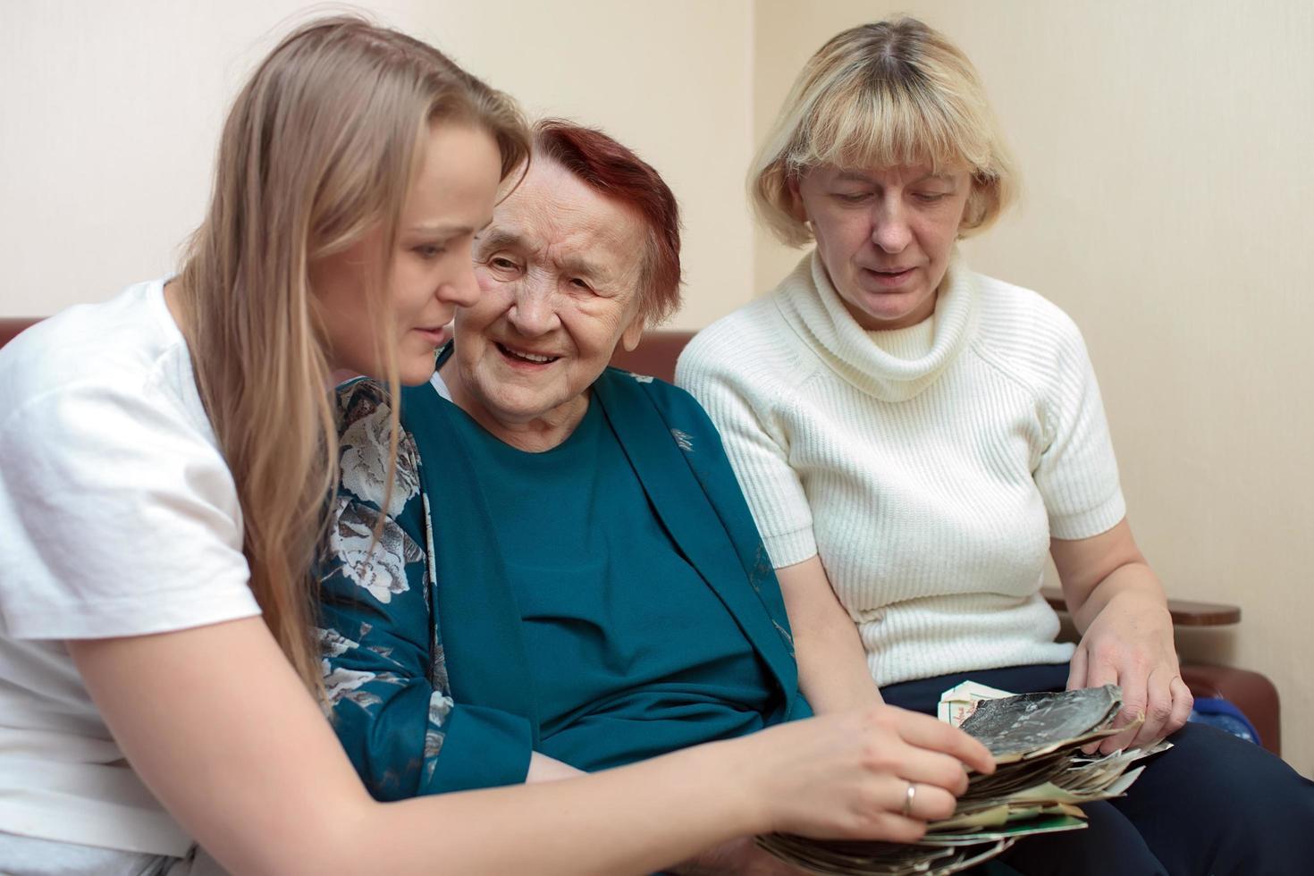 grootmoeder, moeder en dochter foto