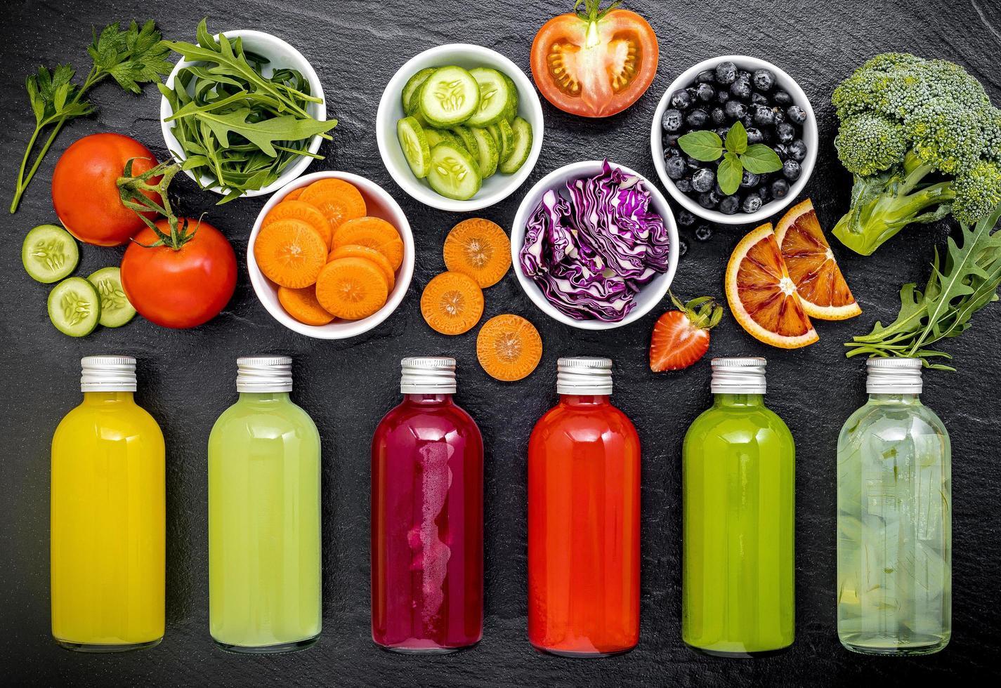 vers sap van fruit en groenten foto