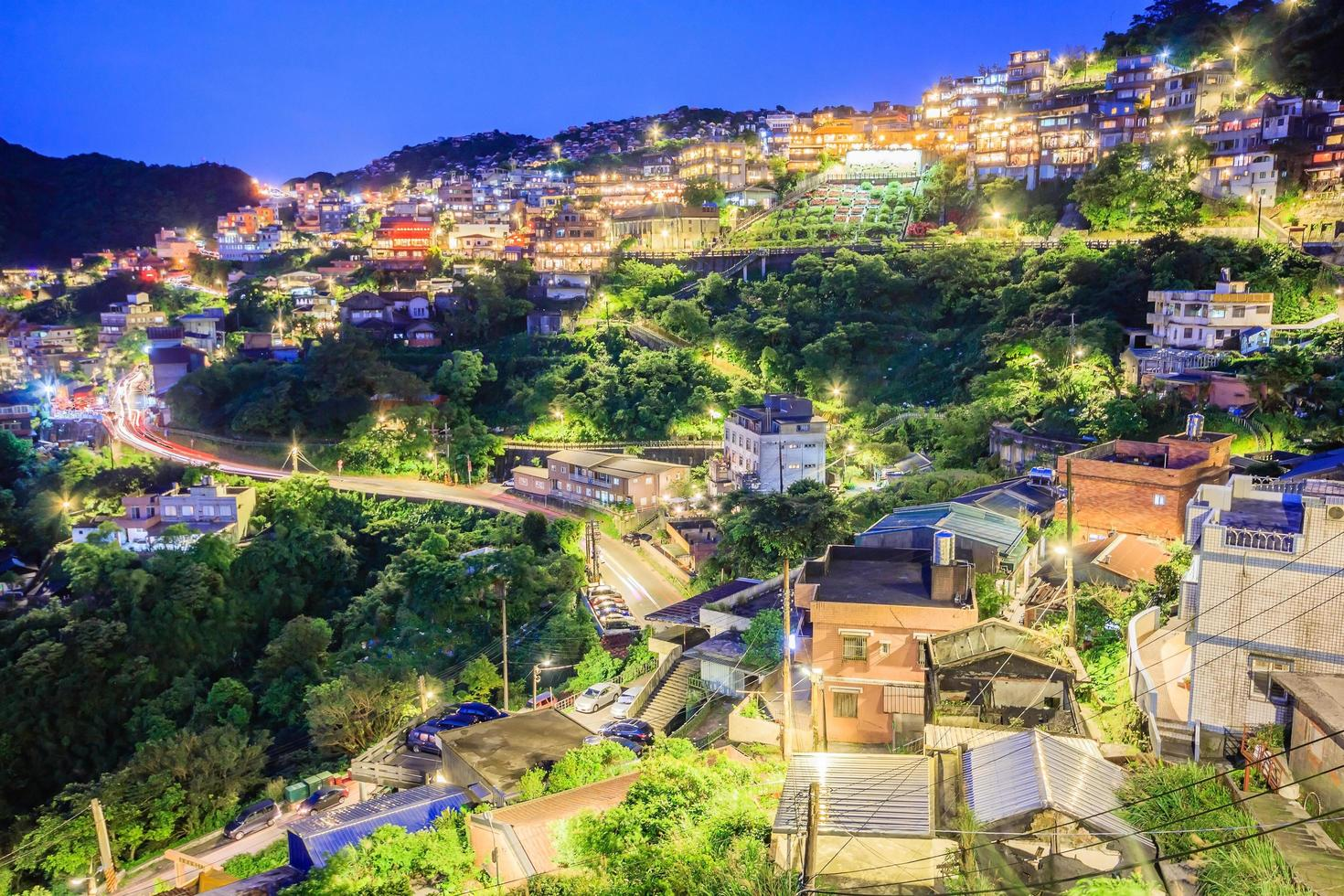taipei, taiwan 2017-- jiufen village een bergdorp in taipei dat beroemd is om theehuizen foto