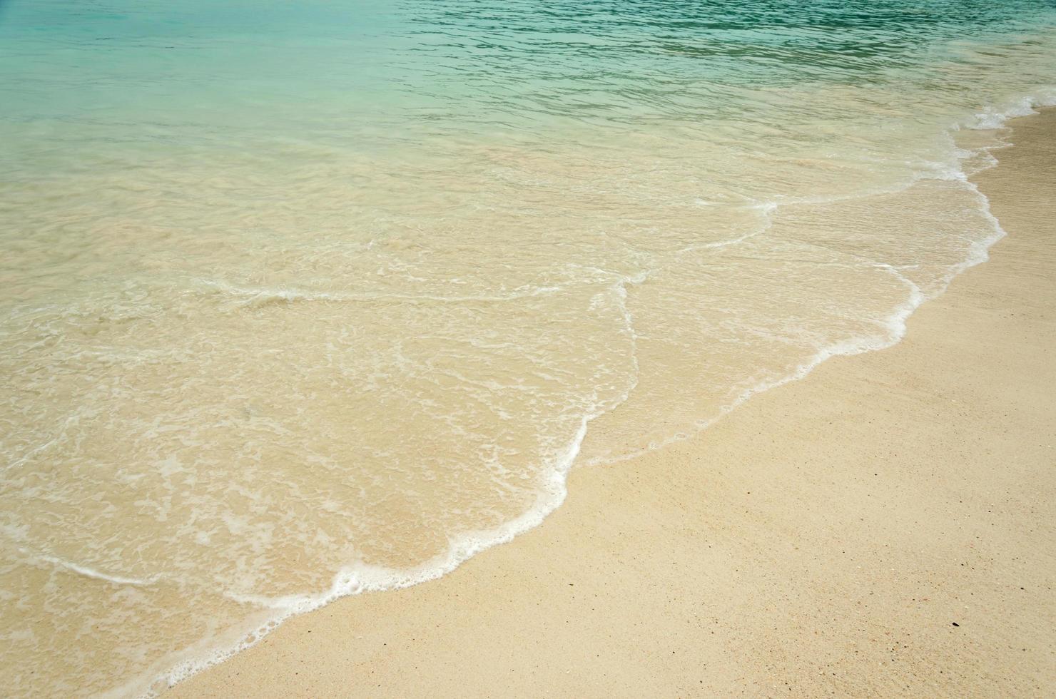 tropische strandgolven foto