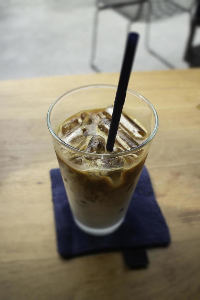 ijskoffie in drinkglas foto
