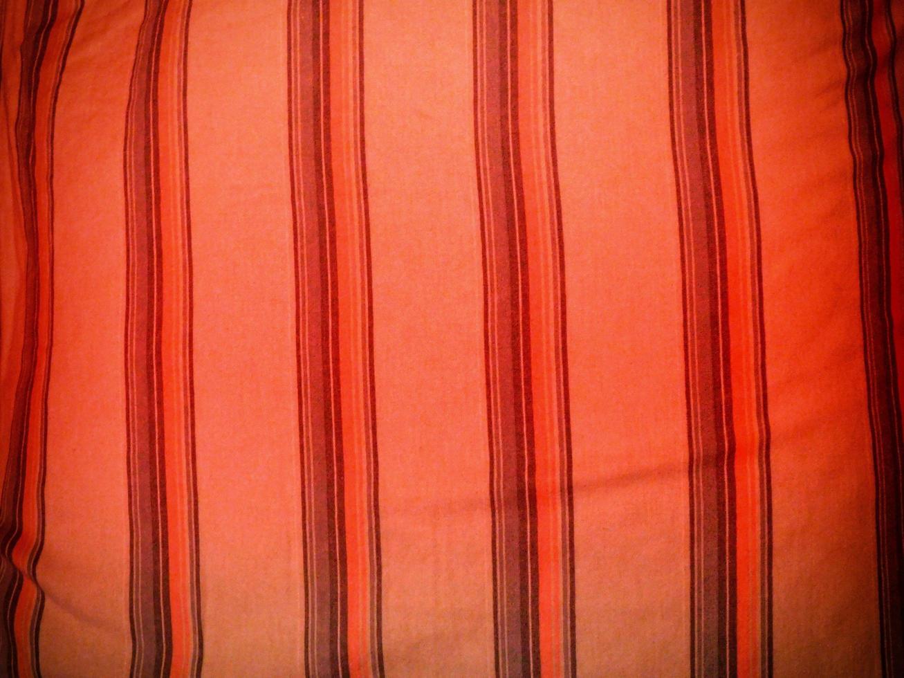 rode stof voor achtergrond of textuur foto