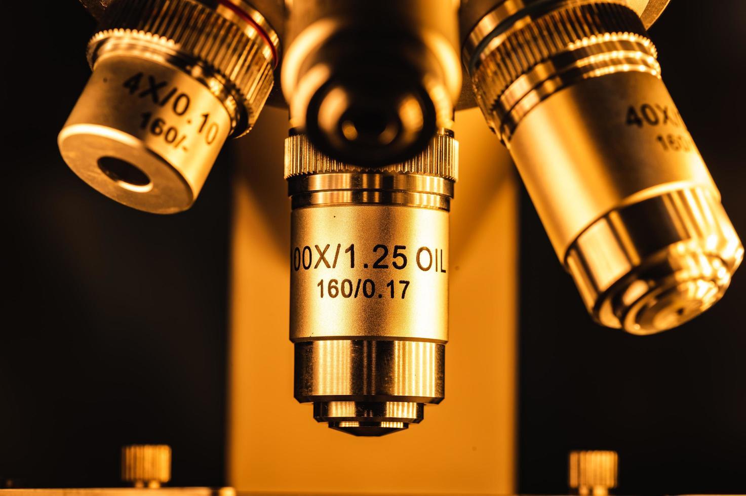 lenzen van een microscoop foto