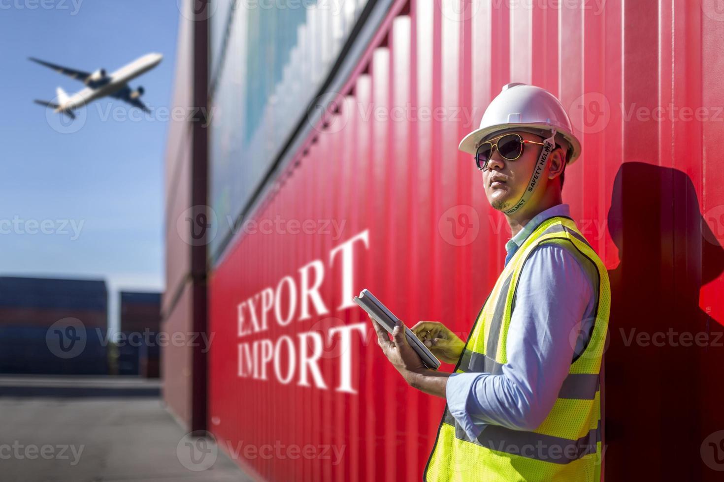 voorman controle toezicht op container export foto