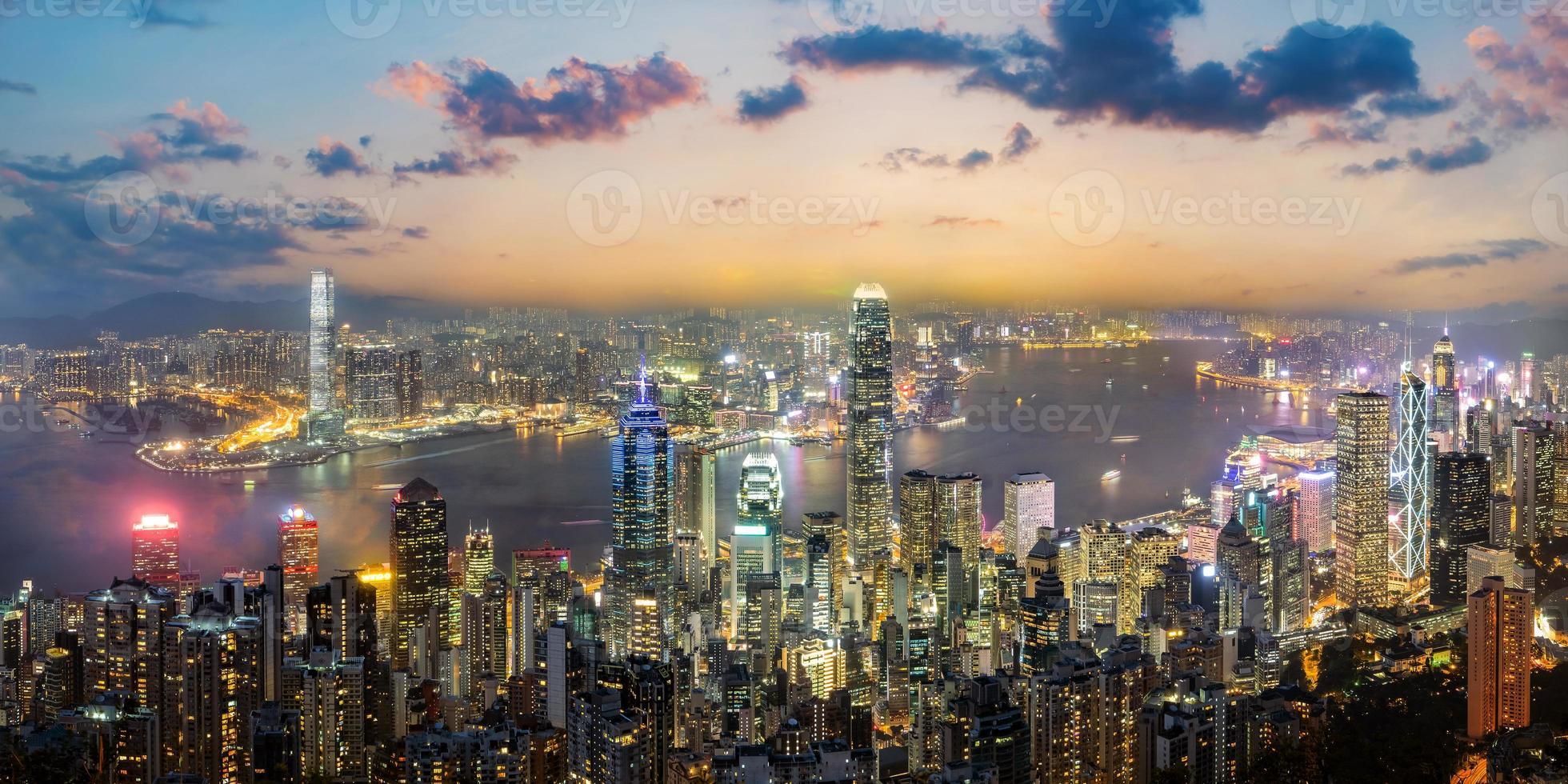 panoramisch uitzicht op de skyline van hong kong, china foto