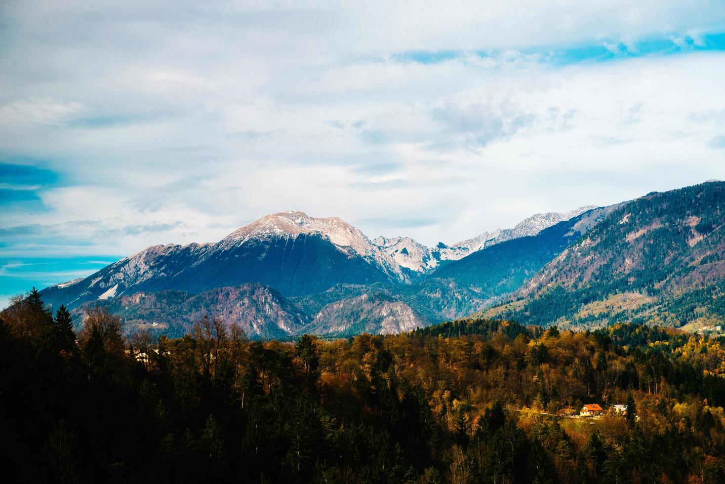 bergen van de alpen in slovenië foto