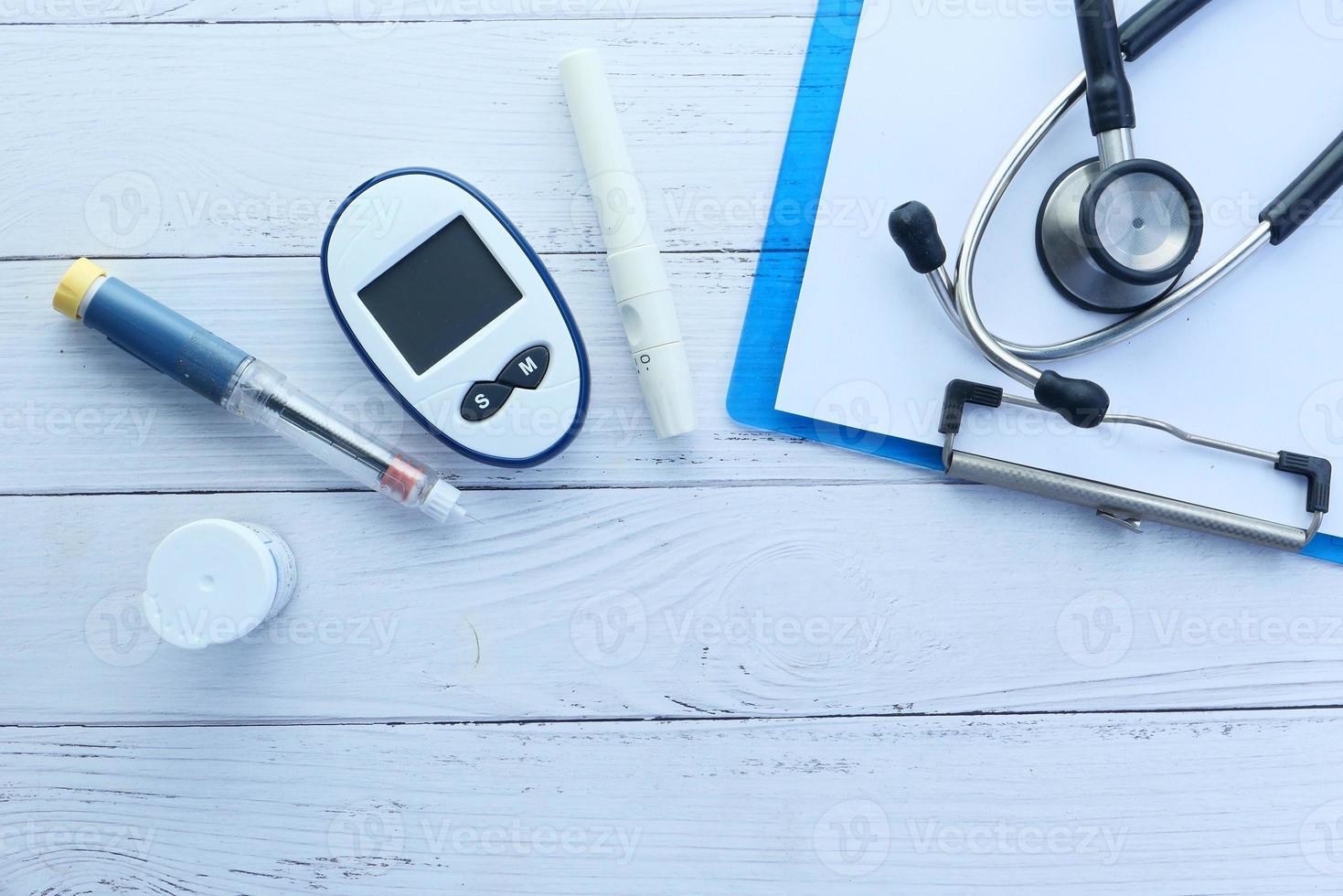 bovenaanzicht van meetinstrumenten voor diabetici foto