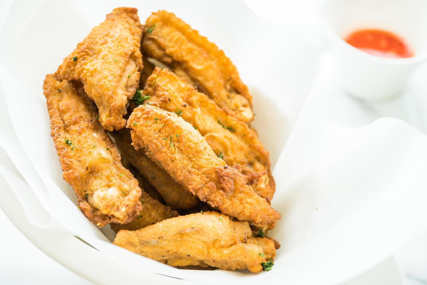 gebakken krokante kippenvleugel foto