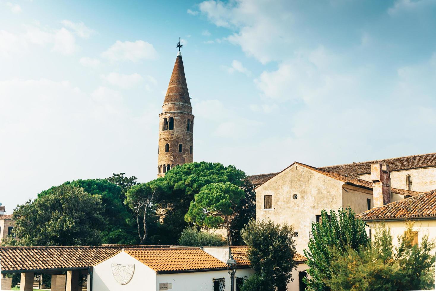 klokkentoren duomo santo stefano in caorle italië foto