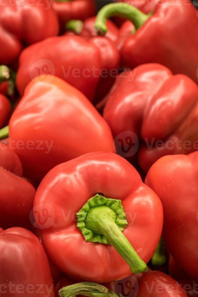 stapel rode paprika foto