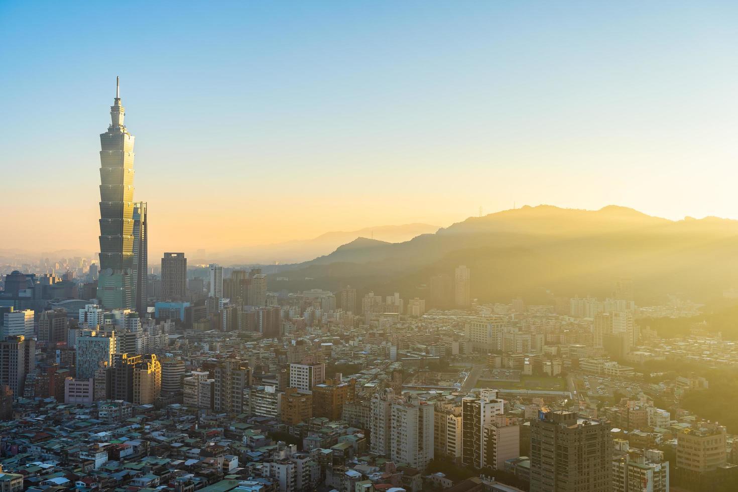 uitzicht op de stad van taipei in taiwan foto