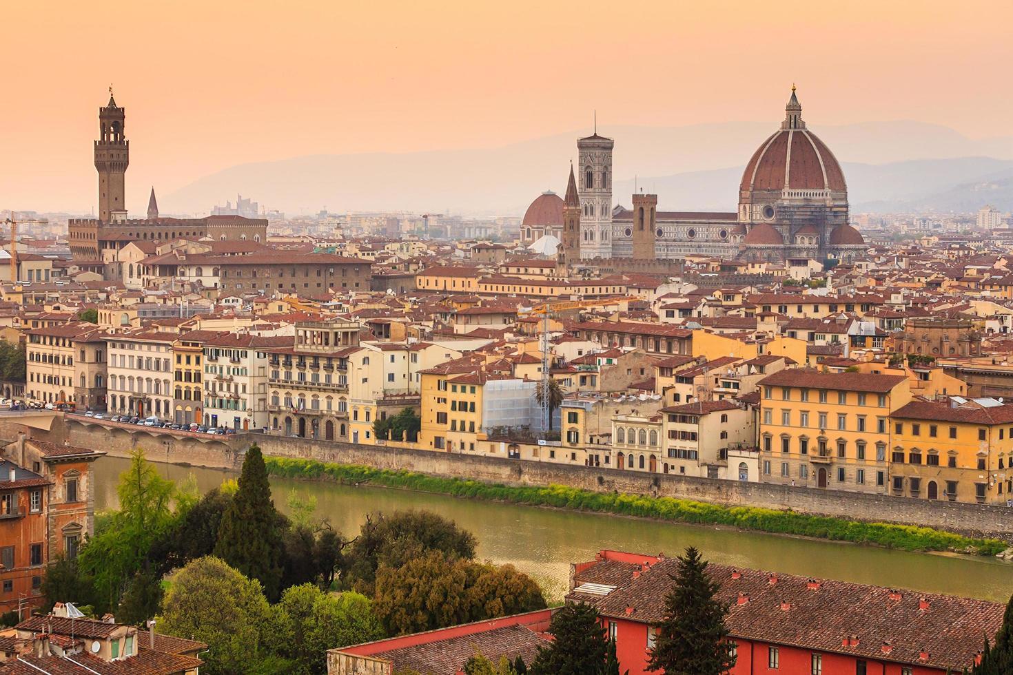 Florence stad tijdens zonsondergang foto