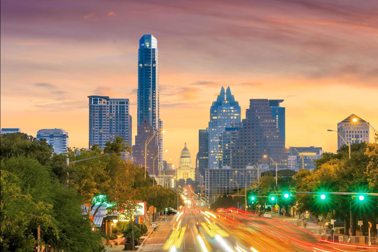 een zicht op de skyline van Austin foto