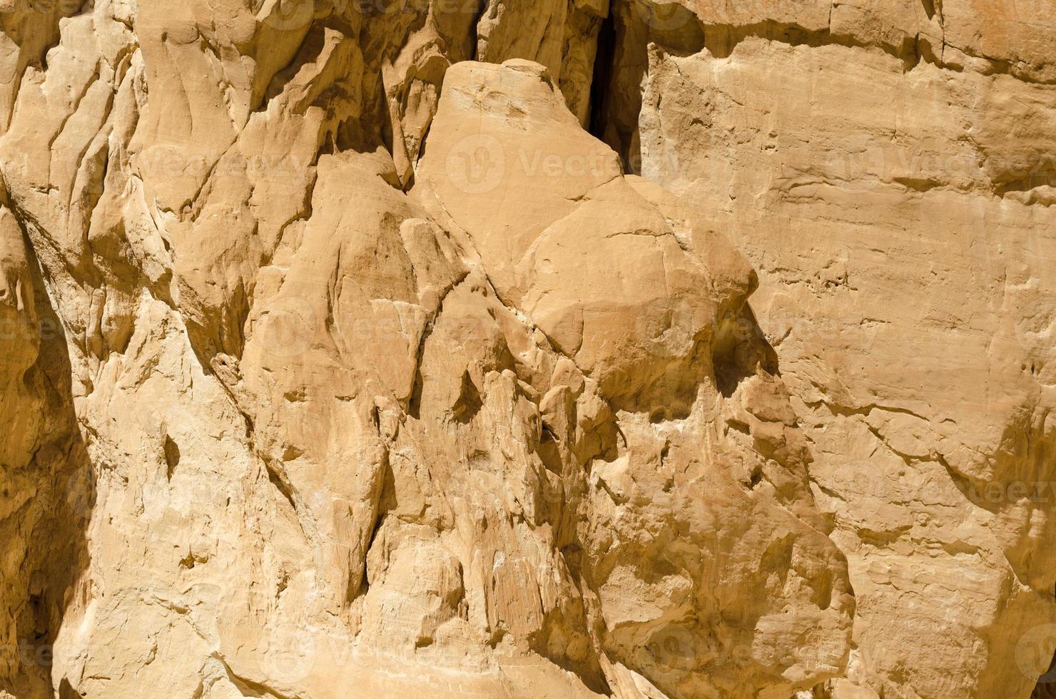 lichtbruine rotsen foto