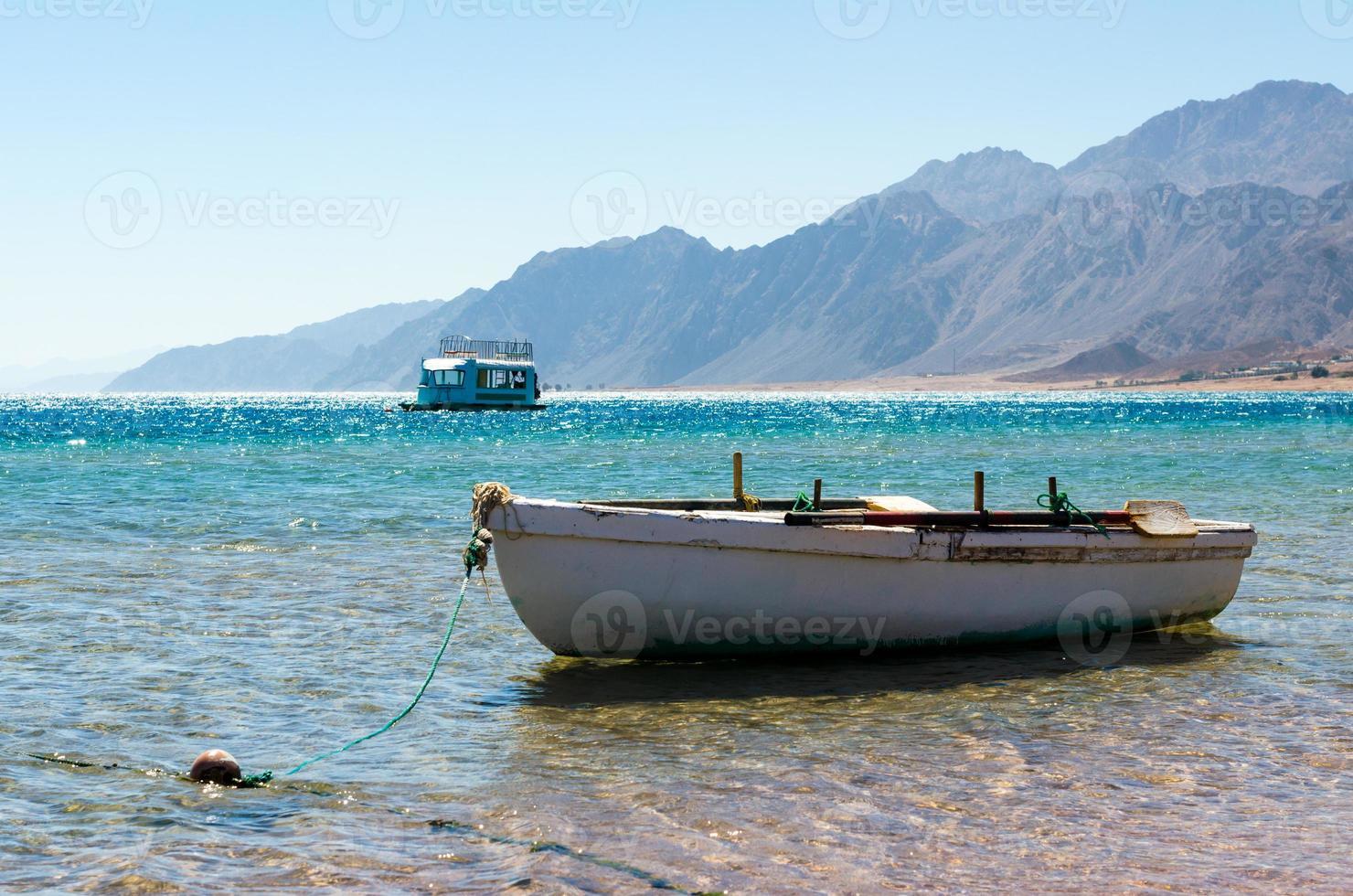 boten in de zee foto