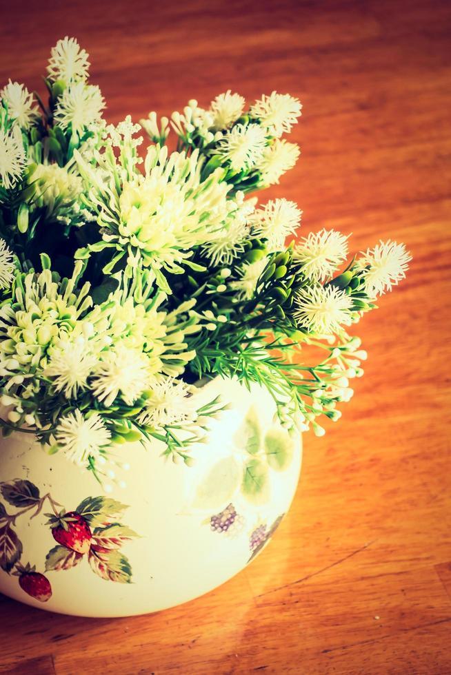 vaas op tafel foto