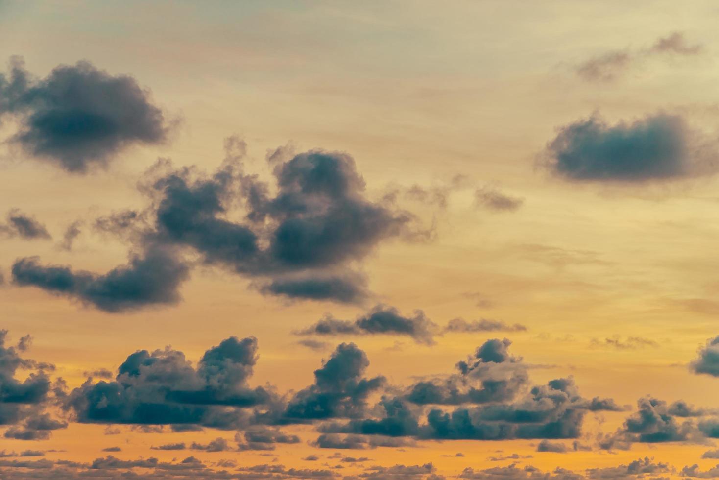 wolk aan de hemel foto