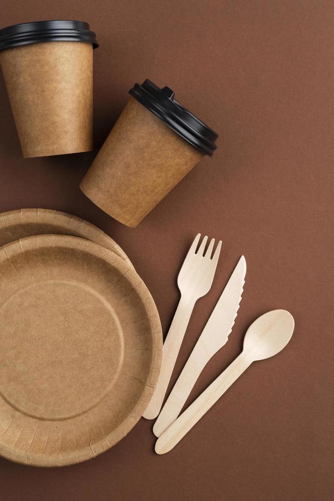 gerecyclede materialen afhaalmaaltijden gebruiksvoorwerpen foto