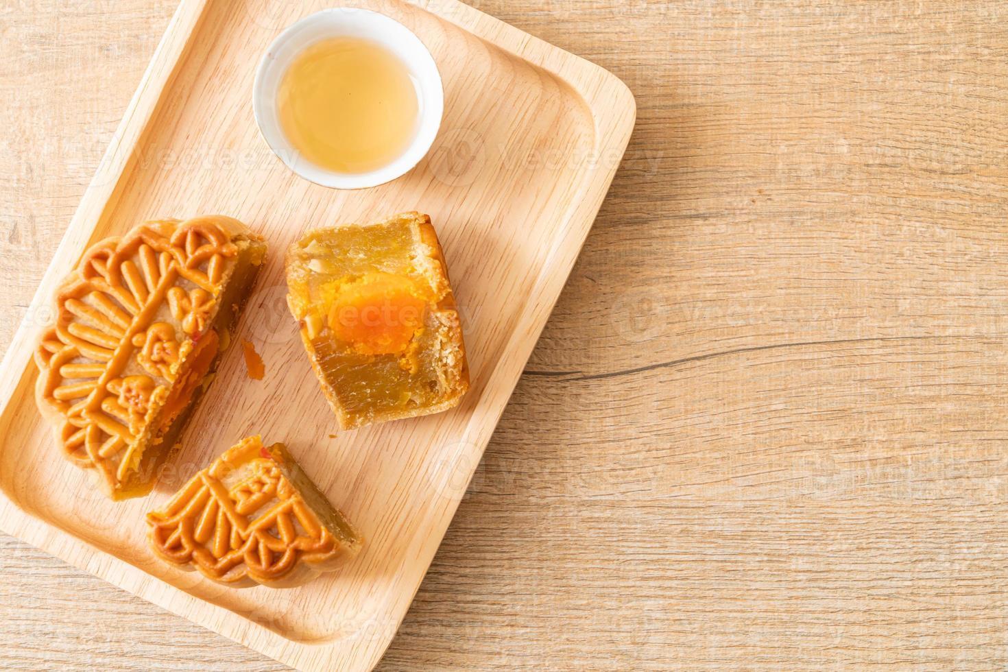 chinese moon cake durian en eigeel smaak foto
