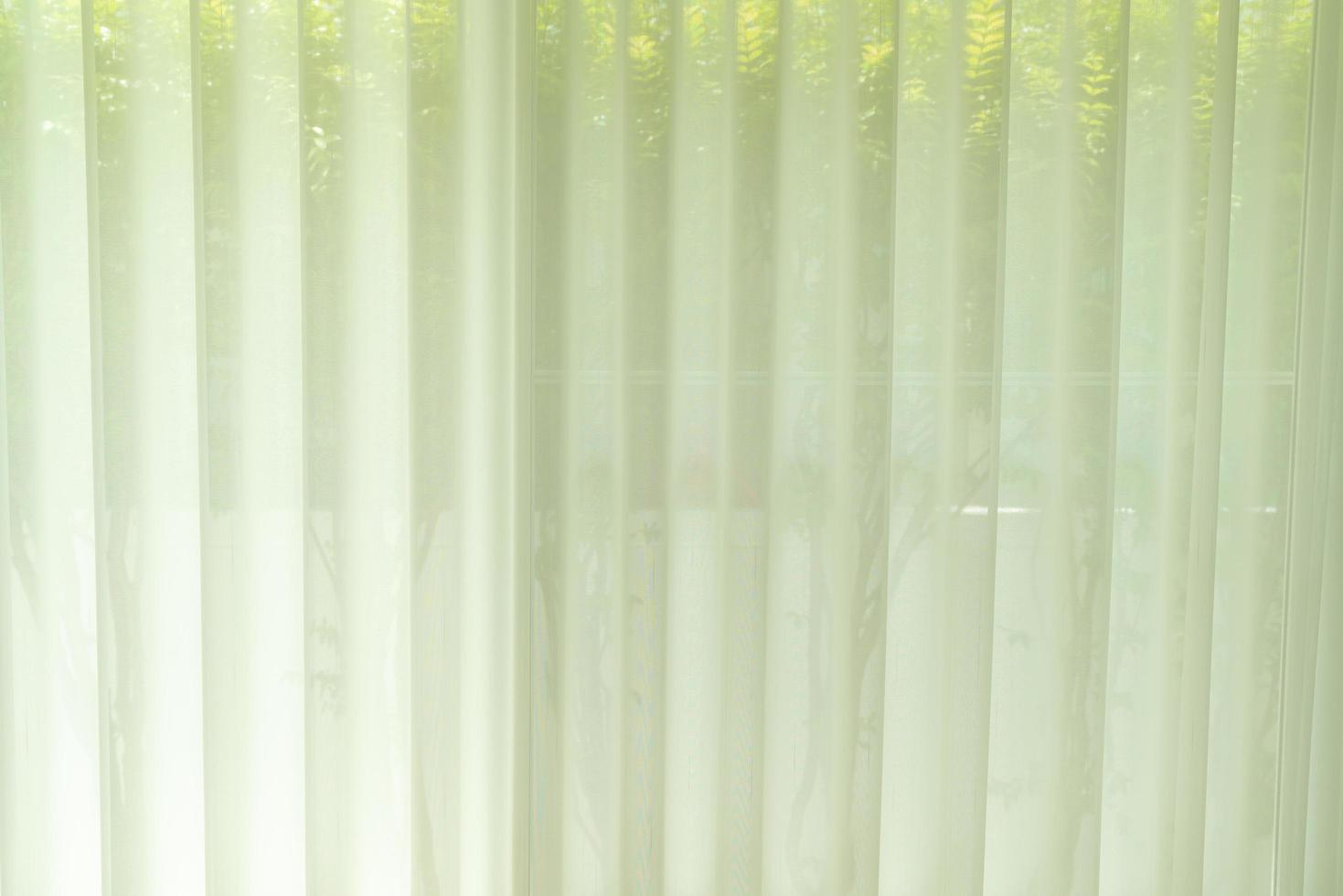 wit doorschijnend gordijn of lichtfilterend gordijn thuis foto