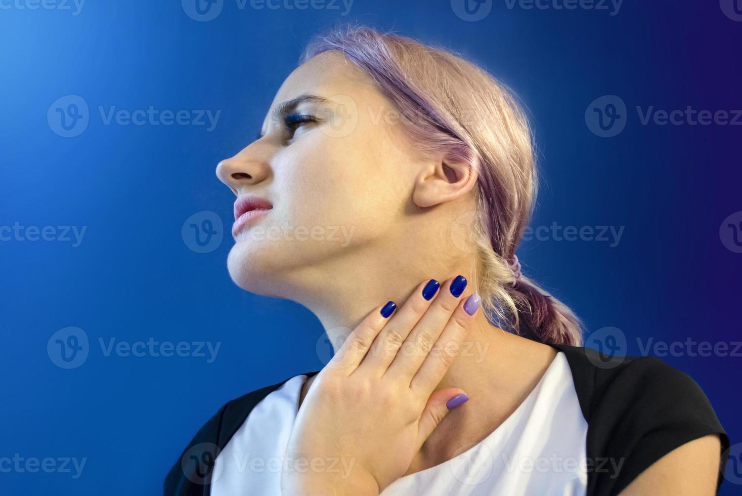 keelpijn. aandoeningen van de bovenste luchtwegen foto